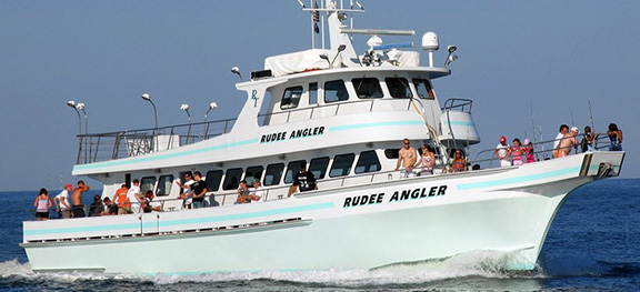 Rudee inlet head boat atlantic ocean chesapeake bay for Virginia beach fishing charters